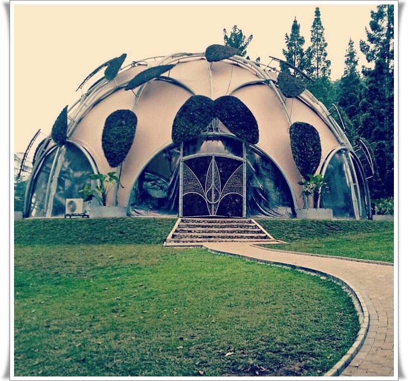 Wisata Ruang Terbuka Hijau Kebun Raya Bogor