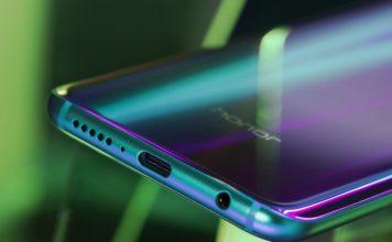 Honor 10: Ponsel Pintar Unggulan Paling Inovatif di Tahun 2018 dengan Fotografi berteknologi Artifical Intelligence (AI) dan Desain Aurora Glass yang Indah