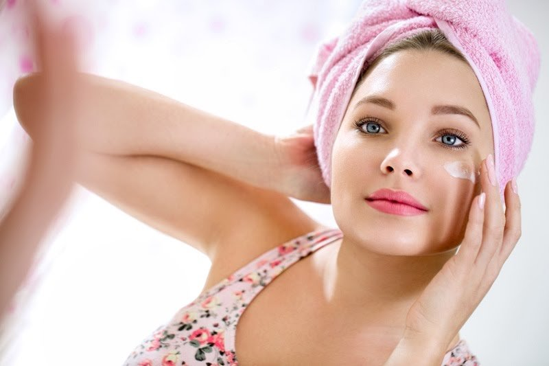 6 Tips Memilih Kosmetik Aman dan Terjamin